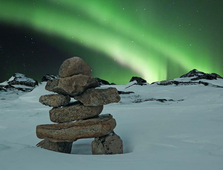 Photo du jour #144 : Aurora and the Inukshuk