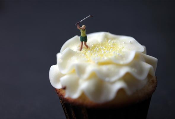Personnages miniatures avec nourriture de Christopher Boffoli