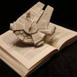 Les sculptures sur livres de l'artiste Jodi Harvey-Brown
