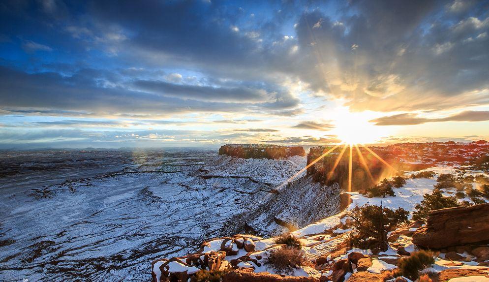 Time lapse des montagnes enneigées de l'Utah – ouest des États-Unis
