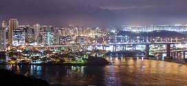 Time lapse nocturne de la ville de Vitória  – Brésil