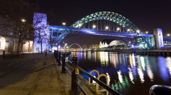 La ville de Newcastle upon Tyne en time lapse