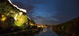 La beauté de la ville de Besançon en time lapse