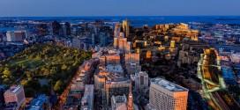 Time lapse original sur Boston qui combine la journée et la nuit
