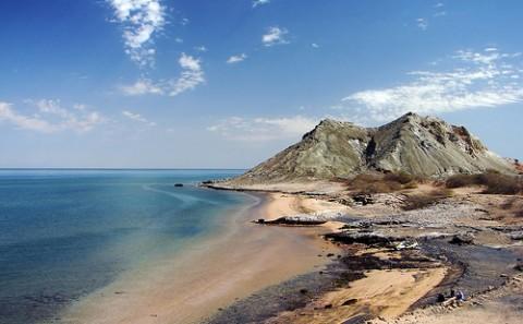 khezr-beach-hormoz-island-persian-gulf-iran