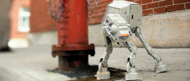 Photo of Un Kenner AT -AT Walker qui a du chien