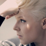 Robyn – Hang With Me