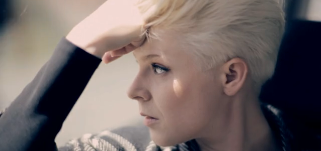 Photo of Robyn – Hang With Me