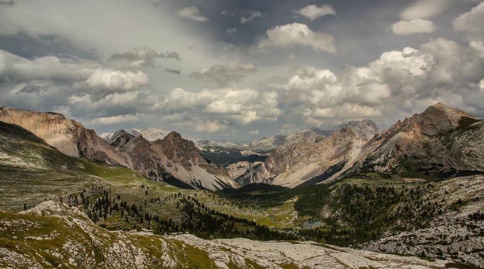 Photo of Time lapse des magnifiques paysages et ciels des Alpes