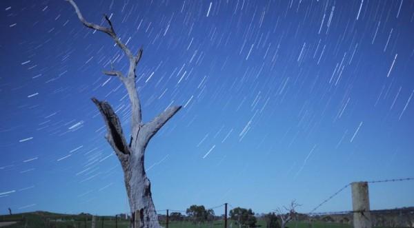 Time lapse de notre ciel nocturne