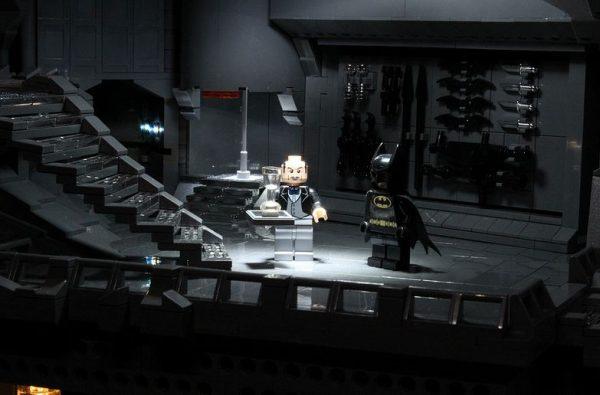 La cave de batman en Lego ! Batcave