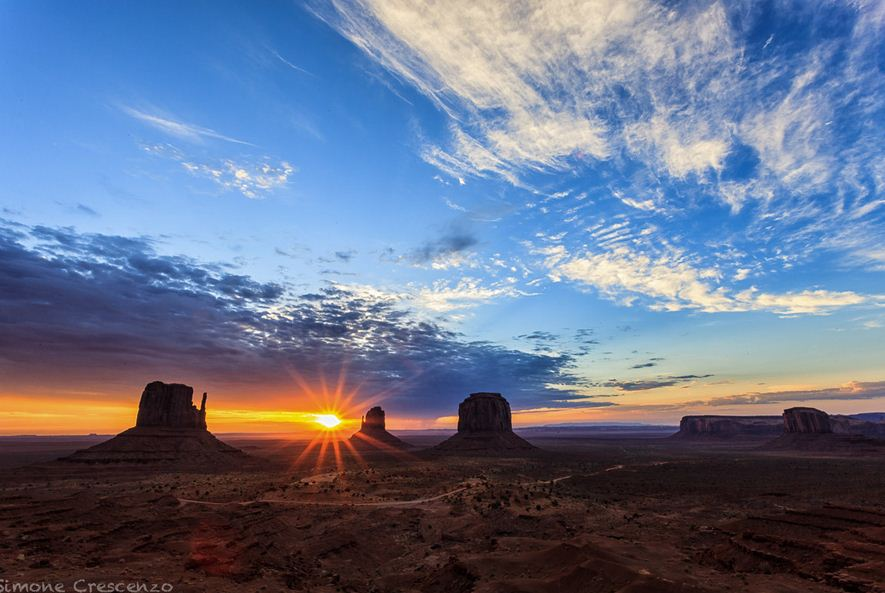 Photo of Photographie du jour #243 : Monument Valley Sunrise