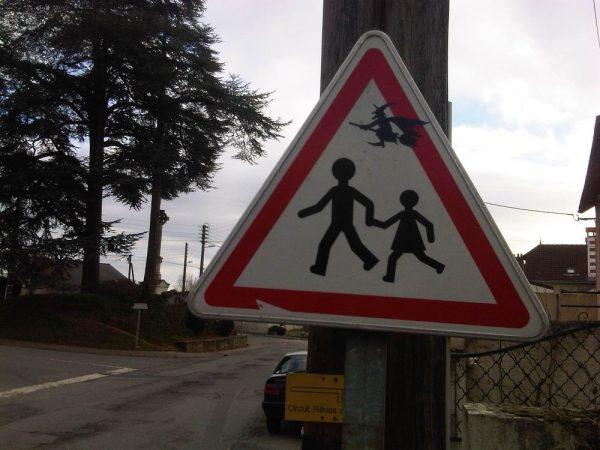street-art-Jinks-Kunst-panneaux-détournés (13)
