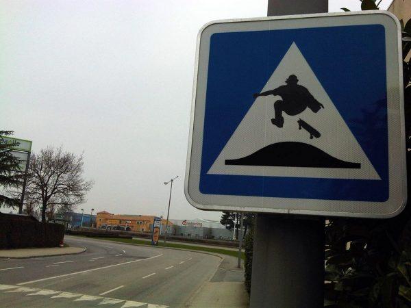 street-art-Jinks-Kunst-panneaux-détournés (17)