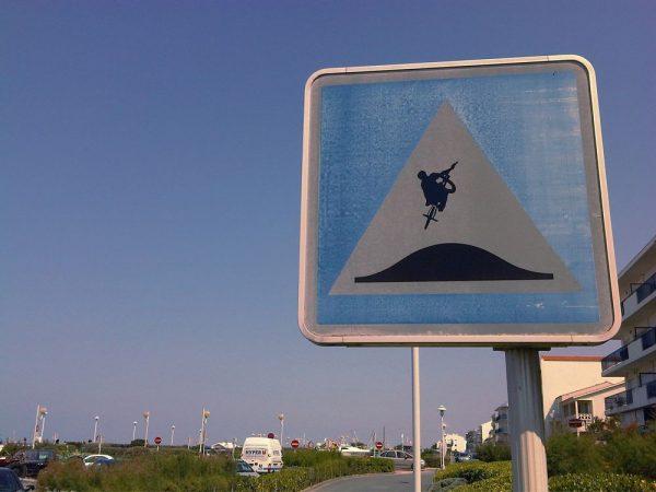 street-art-Jinks-Kunst-panneaux-détournés (24)