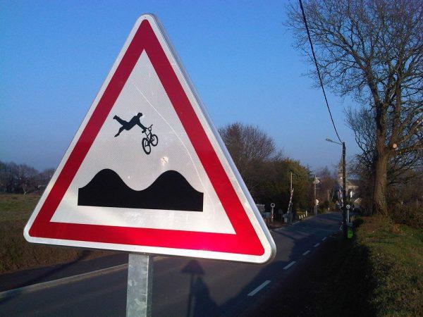 street-art-Jinks-Kunst-panneaux-détournés (26)