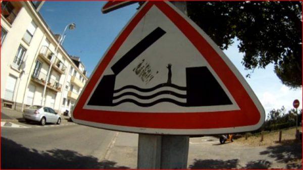 street-art-Jinks-Kunst-panneaux-détournés (33)