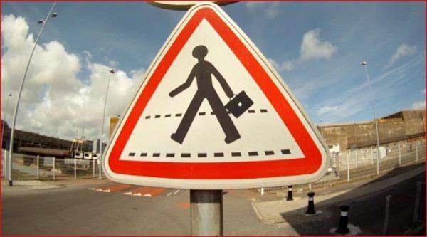 street-art-Jinks-Kunst-panneaux-détournés (34)