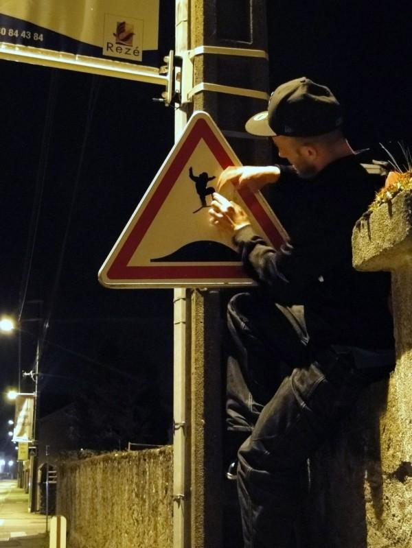 street-art-Jinks-Kunst-panneaux-détournés (39)