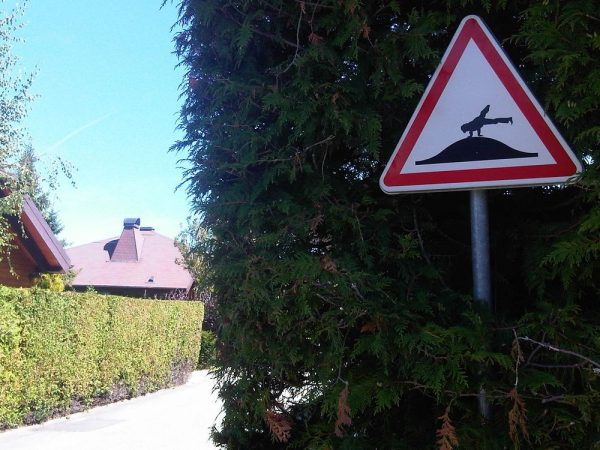 street-art-Jinks-Kunst-panneaux-détournés (40)