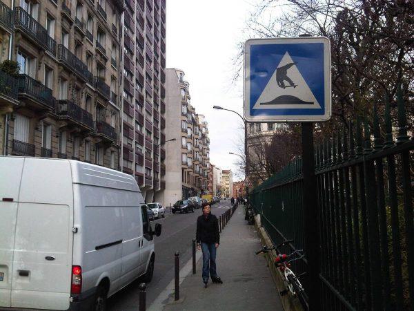 street-art-Jinks-Kunst-panneaux-détournés (8)