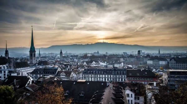 Time lapse sur la beauté de la Suisse