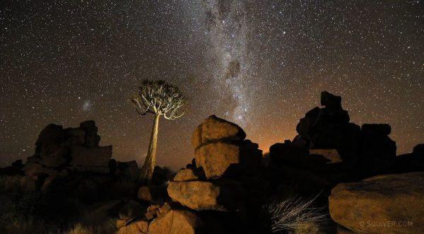 Time lapse d'une nuit en Namibie