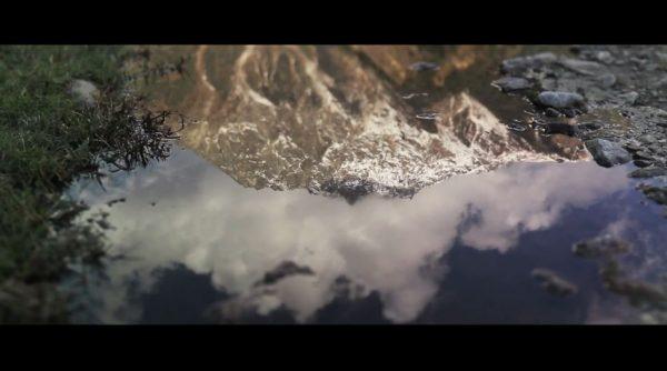 Time lapse de la nature comparée au monde moderne