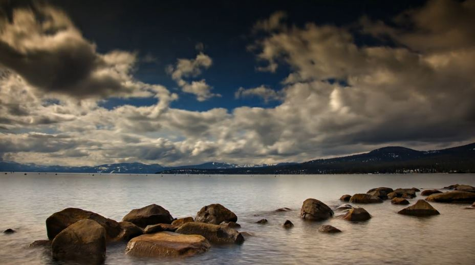 Photo of Time lapse du lac alpin d'Amérique du Nord : Tahoe