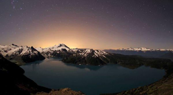 Time lapse des montagnes de Whistler - Canada