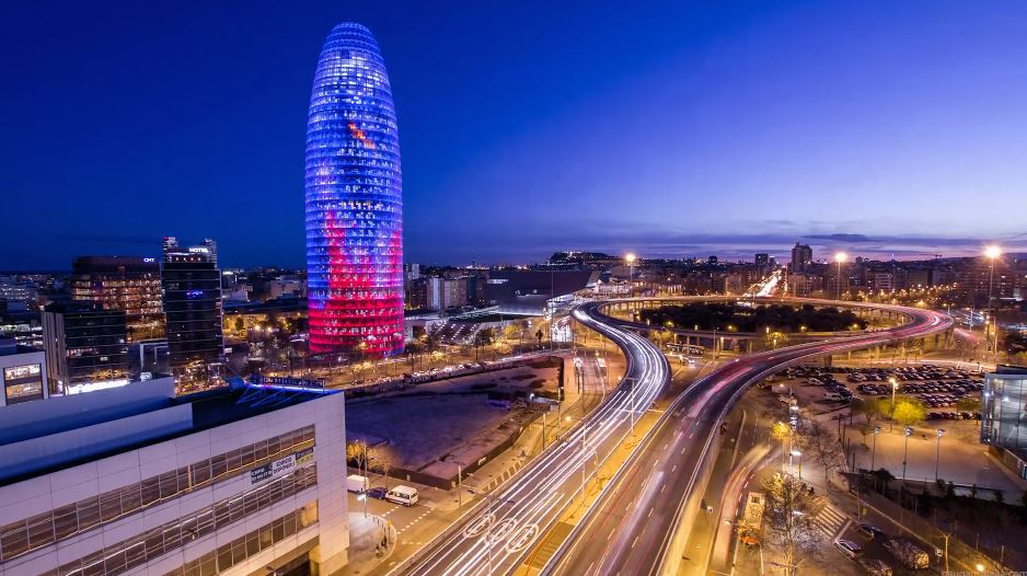 Photo of Time lapse de Barcelone, la nuit