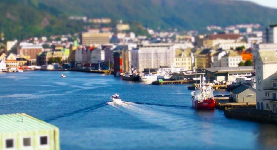 Photo of Time lapse utilisant la méthode du Tilt Shift sur la Norvège