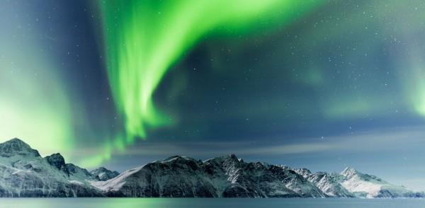aurores-polaires-arctique-time-lapse