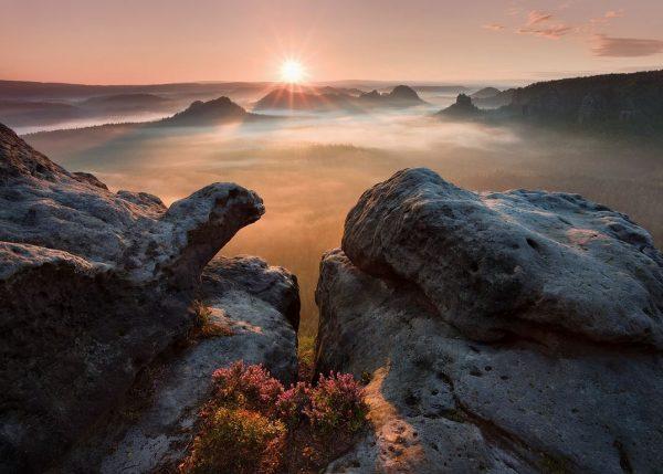 Photographie du jour #387 : Sunrise on the rocks - Saxon