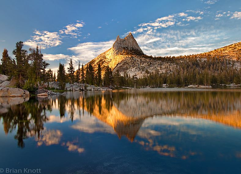 Photo of Photographie du jour #402 : Cathedral Peak Sunset