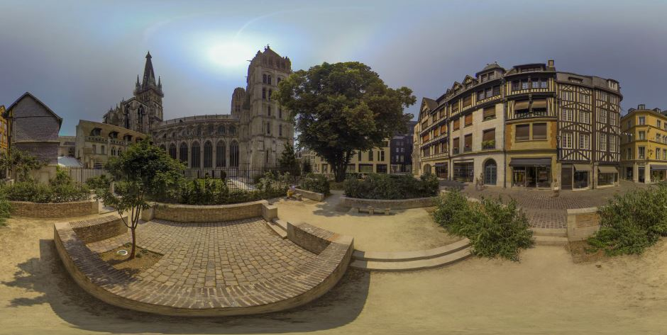Photo of Time lapse panoramique 360° dans les rues de Rouen