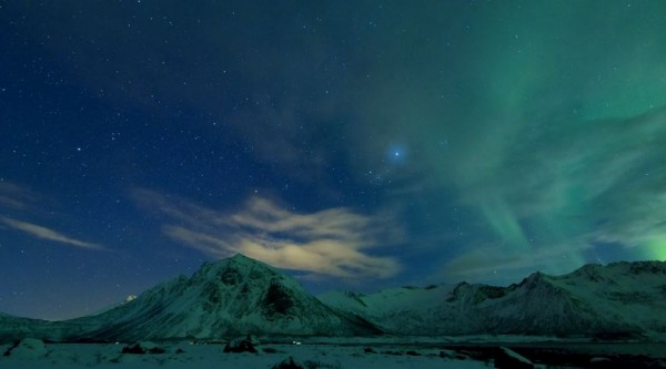 time-lapse-aurores-polaires-senja-norvege