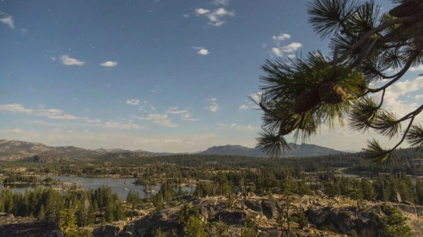 sierra-nevada-nuits-etoilees-time-lapse-californie