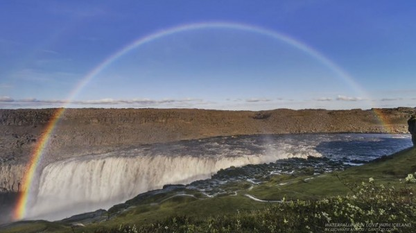 waterfalling-in-love-islande-time-lapse