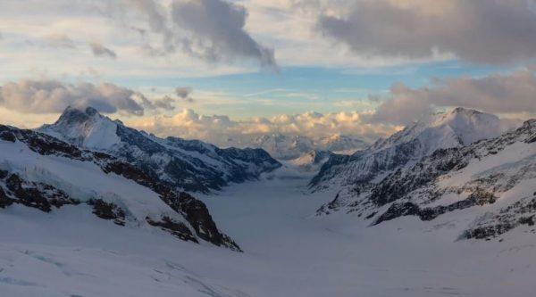 time-lapse-ciel-station-jungfraujoch