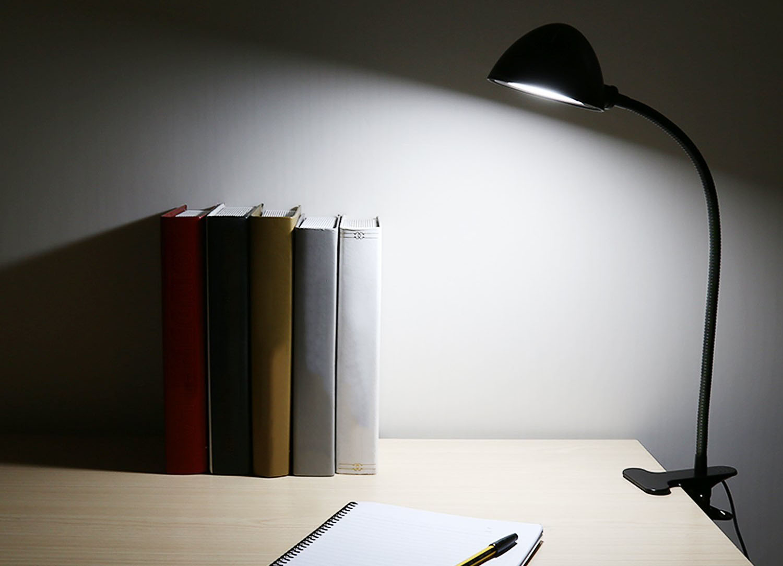 Découverte de la lampe de bureau led à pince aukey lt st